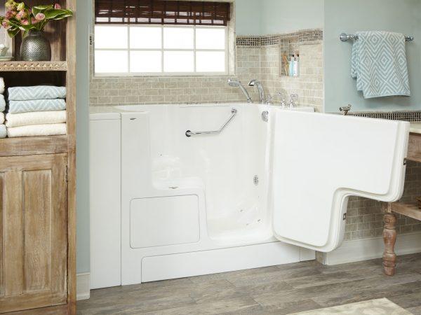 Bathtubs with doors